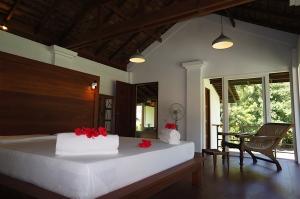 Villa Yanat Koyao Bay Resort